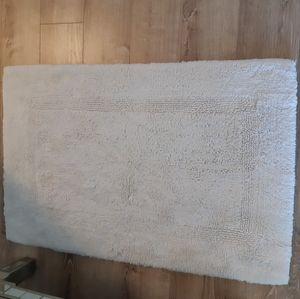 BATH MAT NEW WHITE 2SIDES